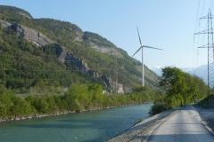 Am Rhein entlang pulsiert nicht nur das Leben, sondern auch der Strom.