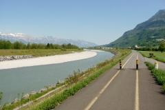 Sehr gut ausgebaute Velowege erwarten einem im ganzen Liechtenstein.