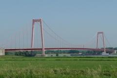 Letzte Rheinbrücke vor der holländischen Grenze.
