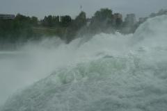 Der Rheinfall war für meine Kamera leider eher ein Reinfall.