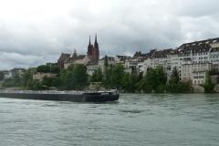Sicht auf Grossbasel und das Münster. Ab hier beginnt nun auch ein weiterer Abschnitt am Rhein: Die Grossschiffahrt.
